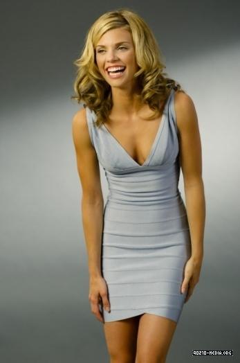 Naomi - Season 2 foto