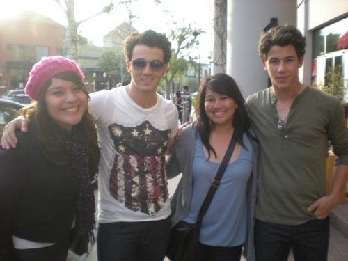"Out on the set of ""JONAS"" in Los Angeles, CA. 24/03/10"