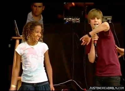 Performances > Screen Captures > Washington DC Easter Egg Roll (5th April, 2010)