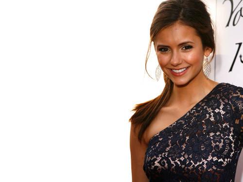 Pretty Nina Dobrev वॉलपेपर