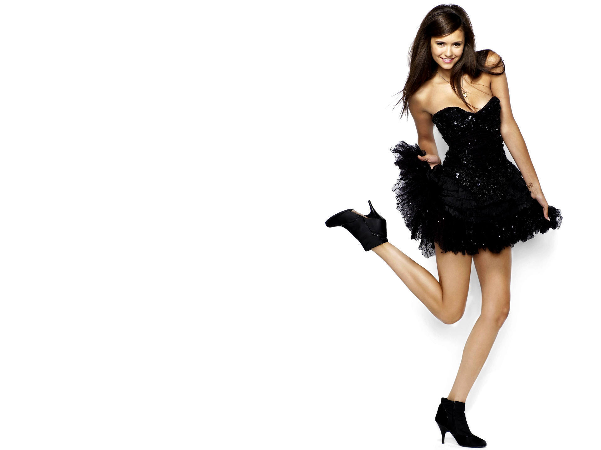 Pretty Nina Dobrev Wallpaper!
