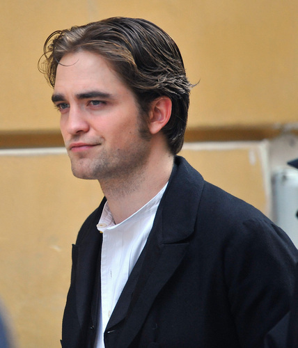"Rob on ""Bel Ami"" Set in Budapest (April 6th)"