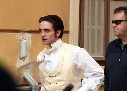 Robert on the set of Bel Ami 4/8/10