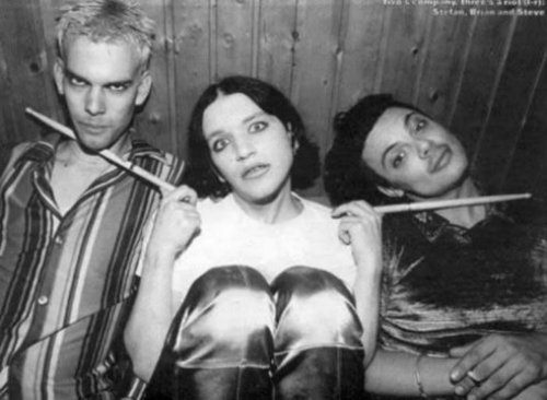Brian Molko দেওয়ালপত্র called Someone call the ambulance...There's gonna be an accident!!