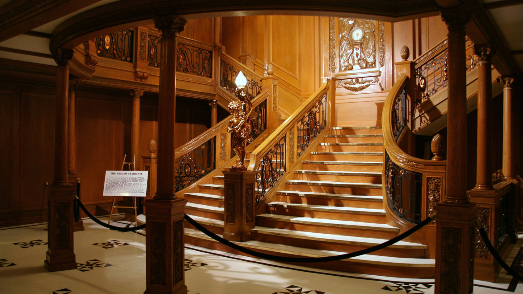 The Gallery For Gt Rms Titanic Underwater Grand Staircase