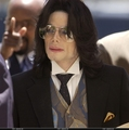 Trial Photos / June 2005 / June 1, 2005 - michael-jackson photo