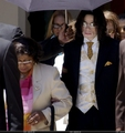 Trial Photos / June 2005 / June 3, 2005 - michael-jackson photo