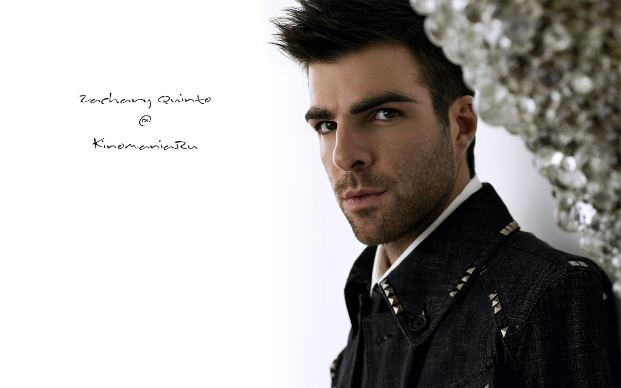 is zachery quinto gay