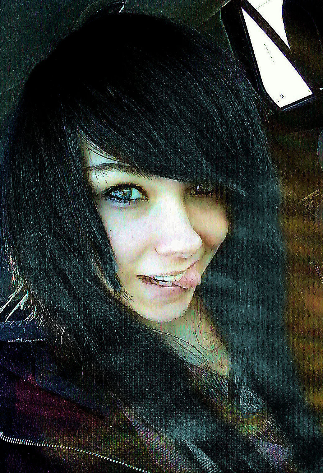 http://images2.fanpop.com/image/photos/11300000/bailey-margaret-emo-girls-11317114-1039-1521.jpg