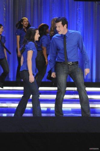 Finn & Rachel پیپر وال called rachel/finn