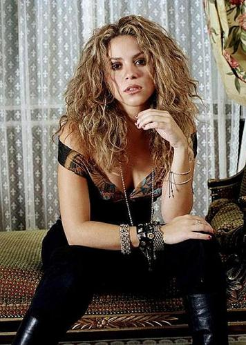 Shakira wallpaper titled shakira hot