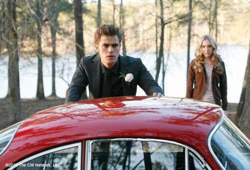 http://images2.fanpop.com/image/photos/11300000/stills-1x19-Miss-Mystic-Falls-the-vampire-diaries-tv-show-11309784-500-340.jpg