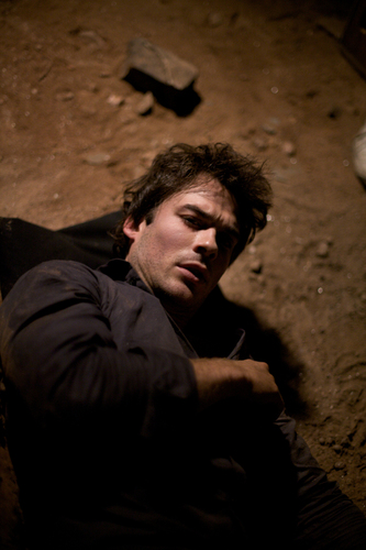 1x05 You're Undead To Me - Stills HQ