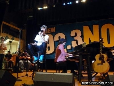 Appearances > 2010 > 92.3 NOW- Long playa Middle School; (April 9th)