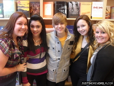 Appearances > 2010 > NYC My World 2.0 Buyout; (April 10th)