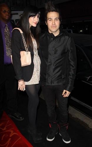 Ashlee & Pete out in LA