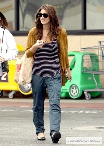 Ashley Greene shopping