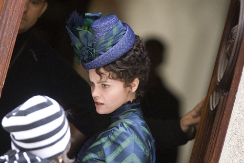 Christina Ricci on the set of Bel Ami