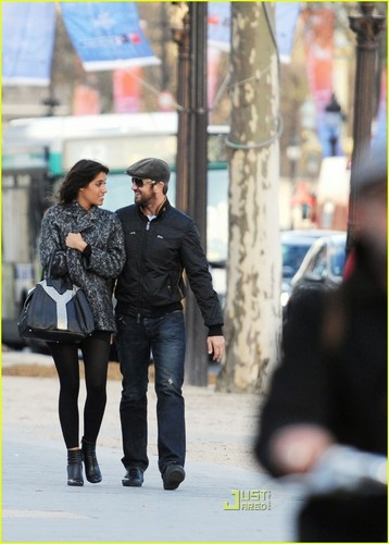 Gerard Butler & Laurie Cholewa's Date -- FIRST PICS