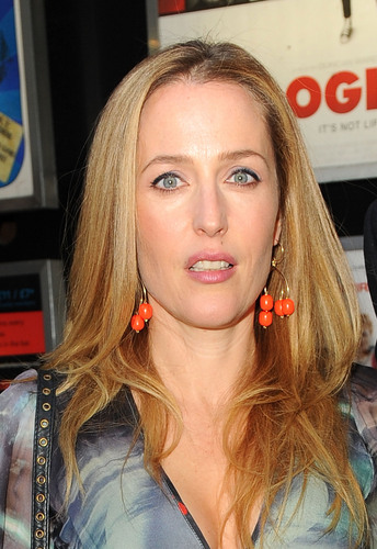 Gillian Anderson wolpeyper titled Gillian plans to attend the April 13 Premiere