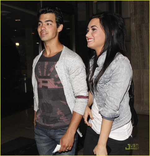 Joe Jonas & Demi Lovato: Arclight Date Night!