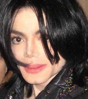 और MJ