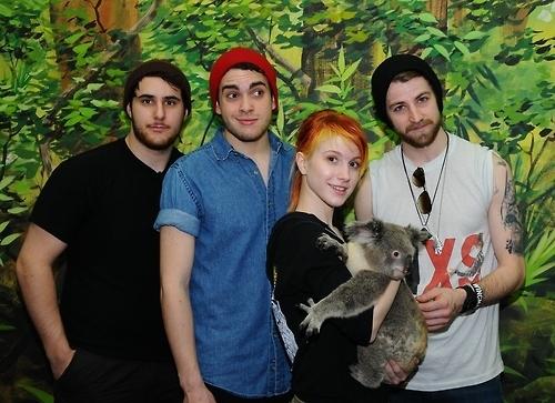 New pics from Australia