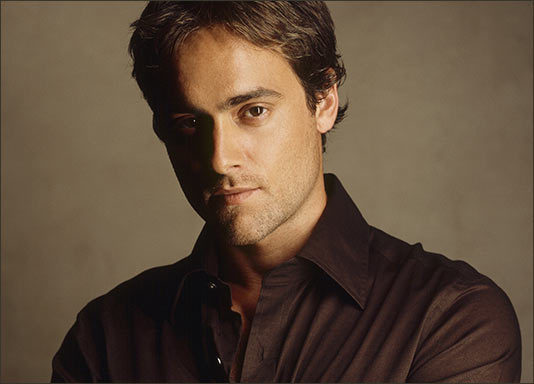 Stuart Townsend Night ...