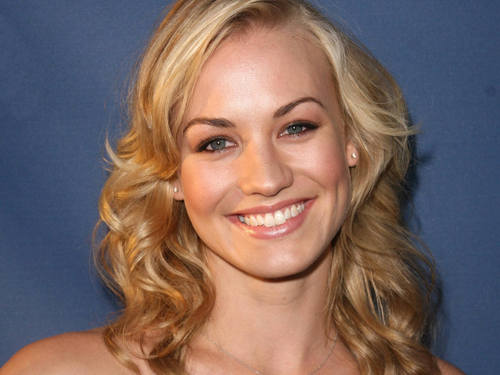Yvonne Strahovski wallpaper entitled Pretty Yvonne Wallpaper!