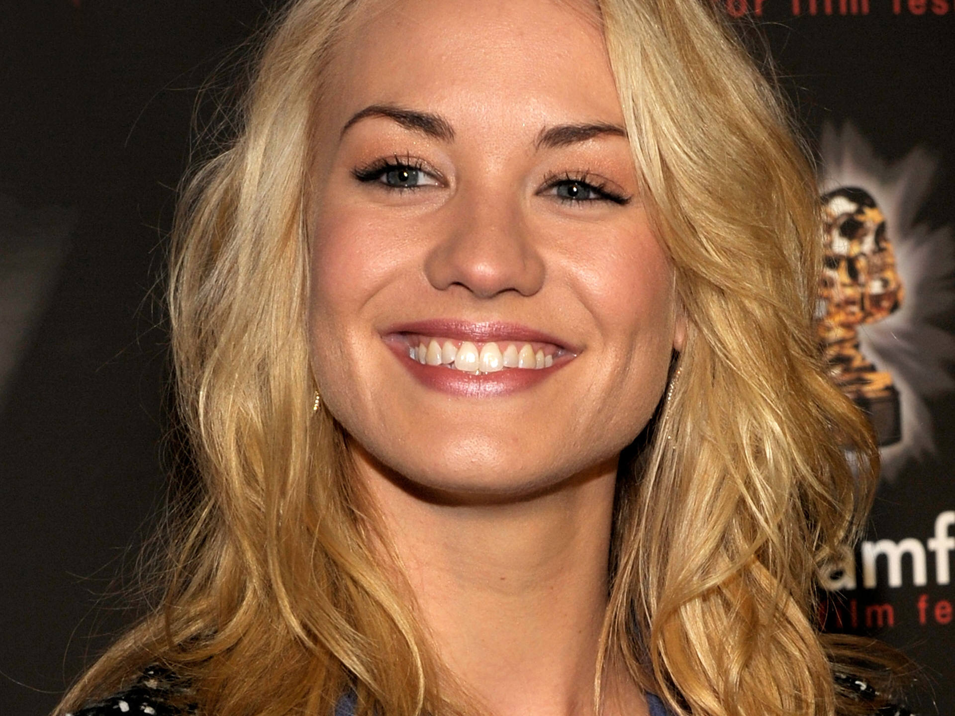 Yvonne Strahovski on Pinterest | Sarah Walker, Dexter and ...