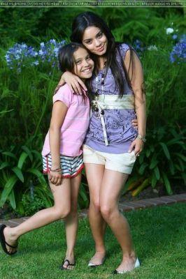 Vanessa-and-Stella-stella-and-vanessa-4235877-266-400.jpg