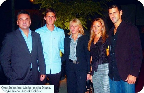 Novak Djokovic karatasi la kupamba ukuta titled father,brother Marko,mother Dijana,girlfriend Jelena and Novak