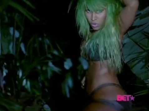 massive attack - nicki-minaj Photo