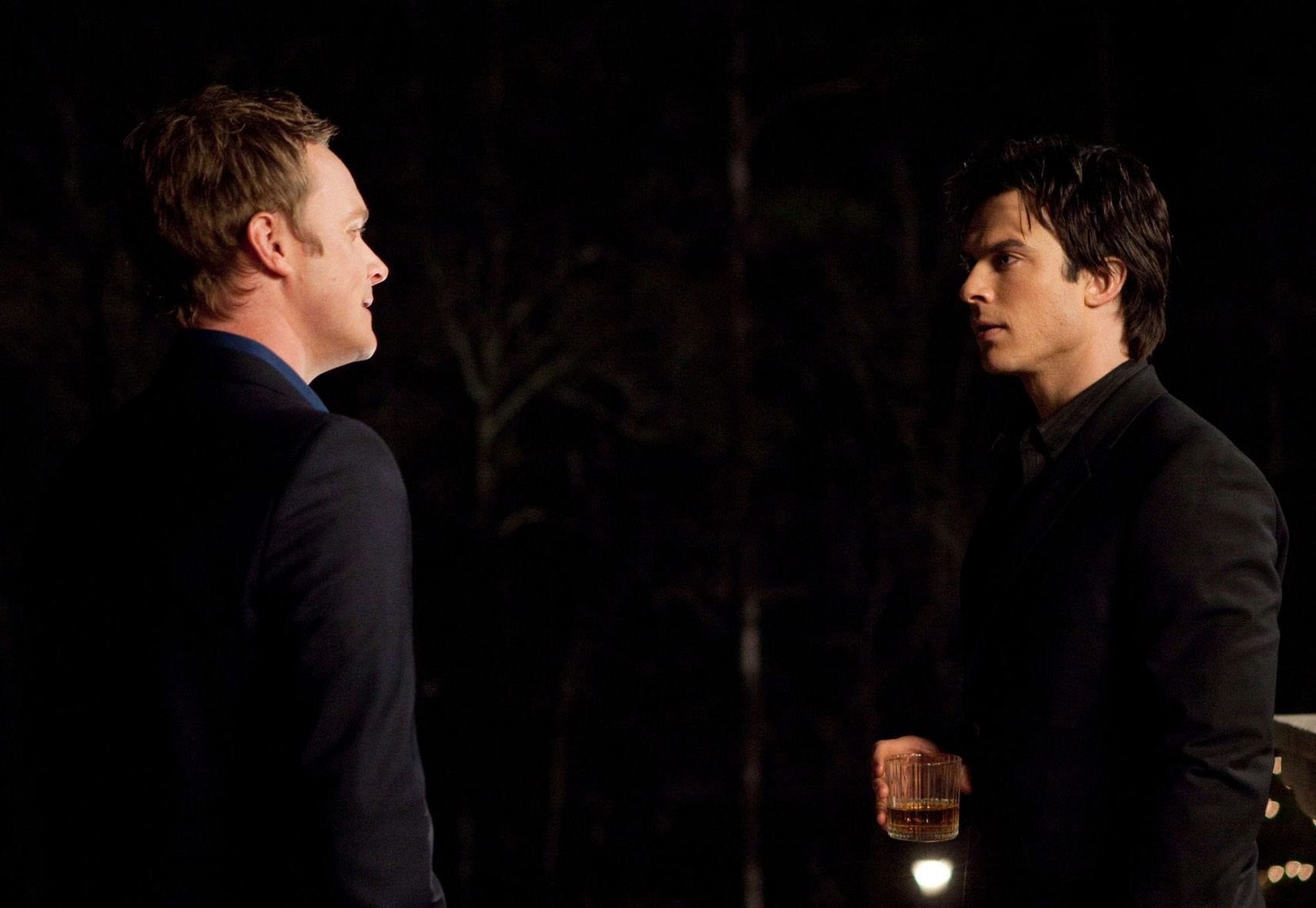 http://images2.fanpop.com/image/photos/11500000/1x18-Under-control-the-vampire-diaries-tv-show-11506063-1709-1179.jpg