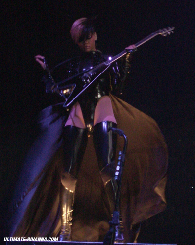 2010 Last Girl On Earth Tour 04-16 - Belgium,Antwerp [MQ]