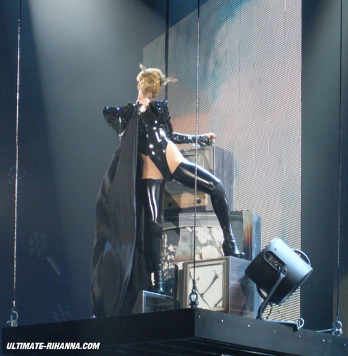 2010 Last Girl On Earth Tour 04-16 - Belgium,Antwerp [MQ]