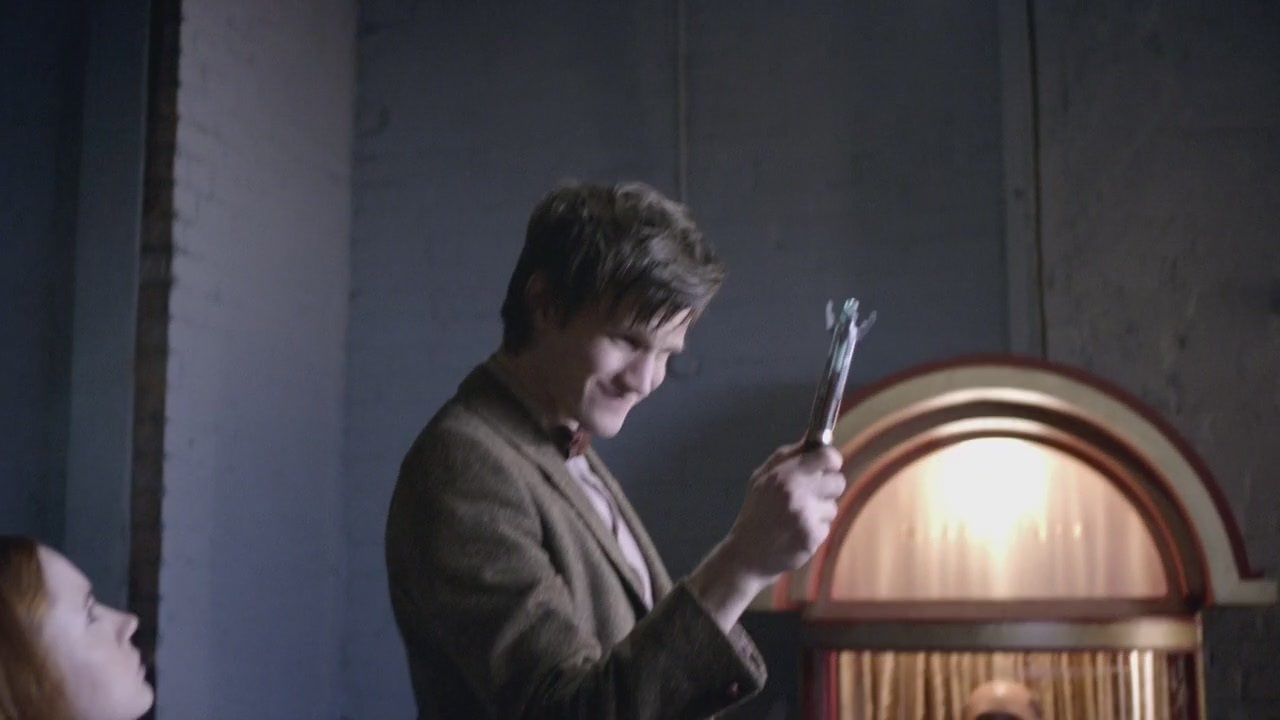 5x02 The Beast Below