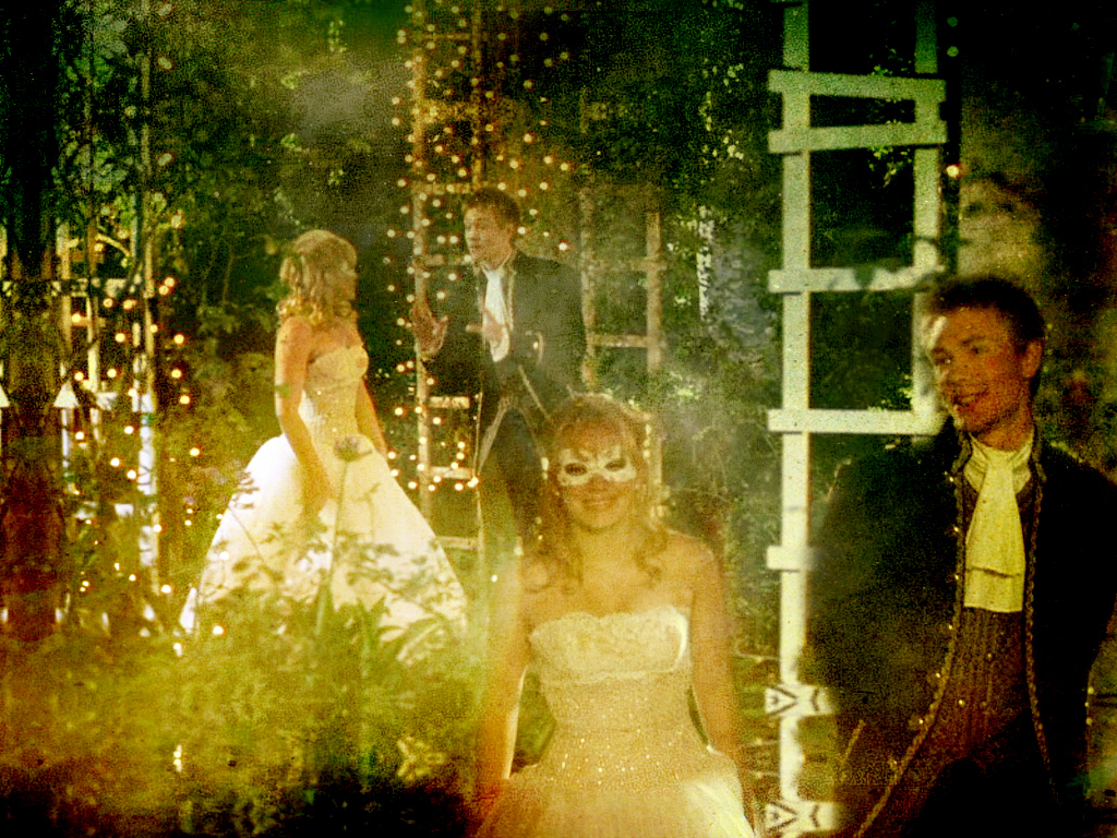 cinderella story Watch a cinderella story full movie online stream a cinderella story the 2004 movie videos, trailers, reviews & more.