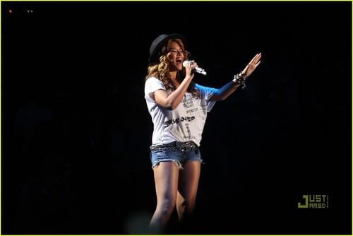 Beyonce @ 2010 Coachella Valley Music & Art Festival