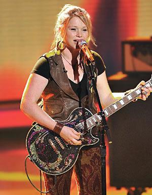 """Crystal Bowersox singing """"Saved"""""""