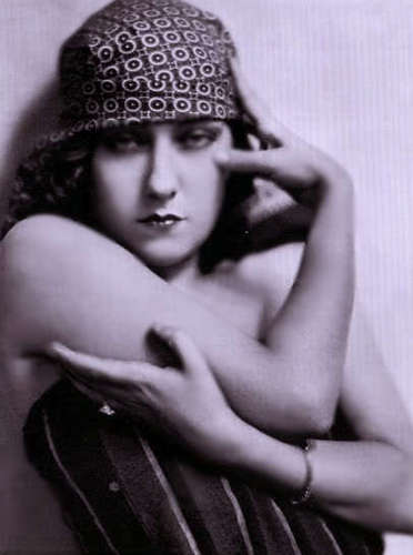 Gloria Swanson - silent-movies Photo