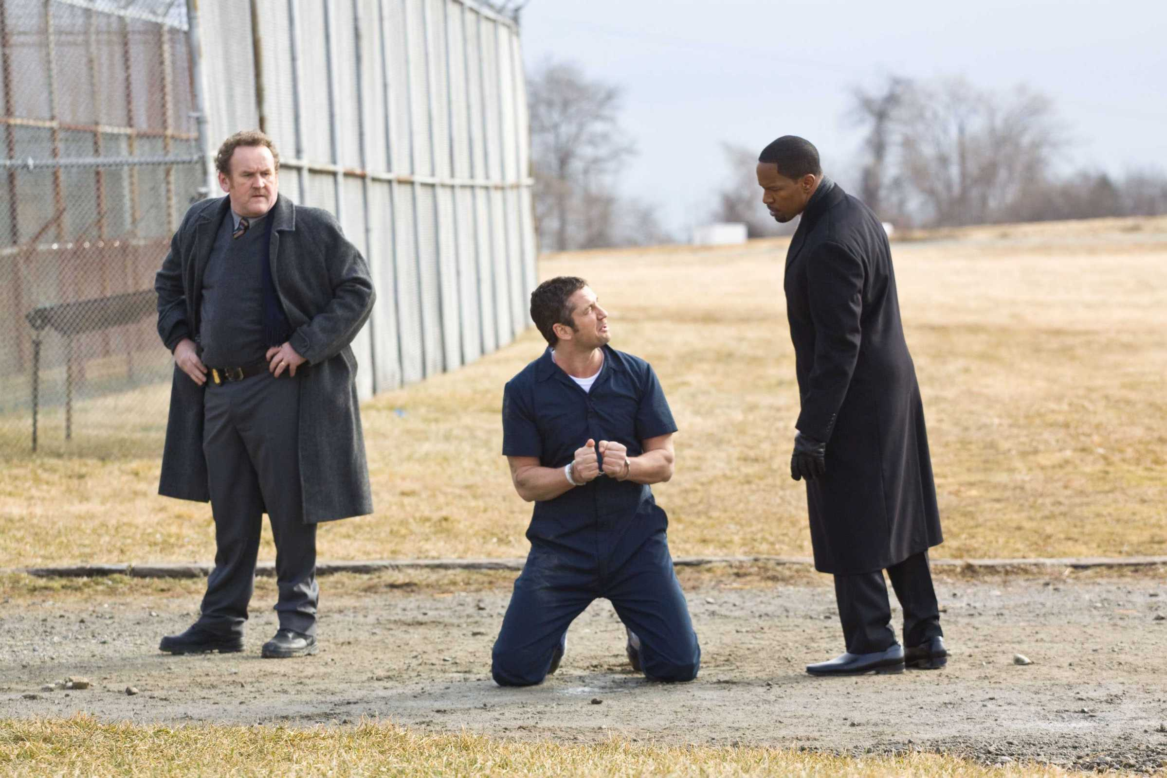 law abiding citizen Law abiding citizen has the moral lessons about justice of the life of david gale, the elaborate jigsaw puzzle scheming of inside man with the scorned parent mayem of.