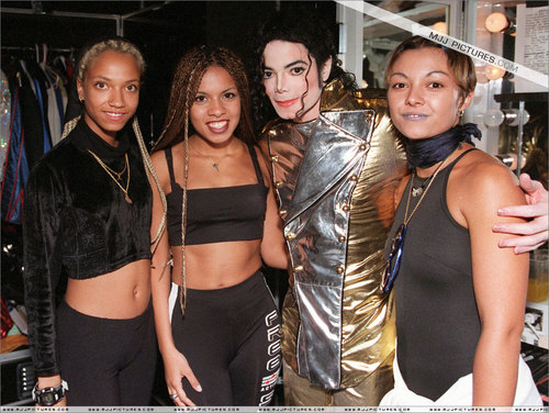 Michael Jackson wallpaper called Michael Jackson - backstage