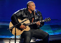 "Michael Lynche singing ""In The Ghetto"" - american-idol photo"