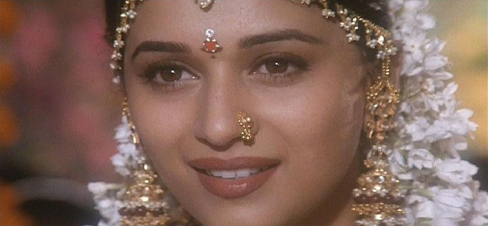 Madhuri Dixit Images Prem Granth Hd Wallpaper And Background Photos