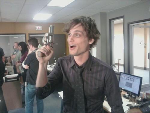 Reid on set