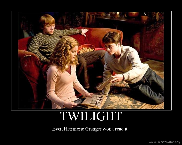 compare and contrast twilight vs harry potter Harry potter vs twilight similarities between harry potter and twilight  hair,  brown eyes and likes books (it pains me to compare hermione to.