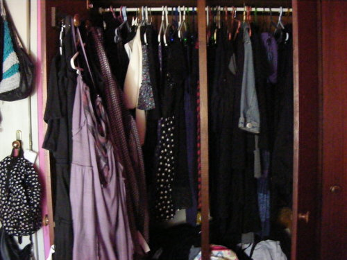 and my messy closet :s लोल