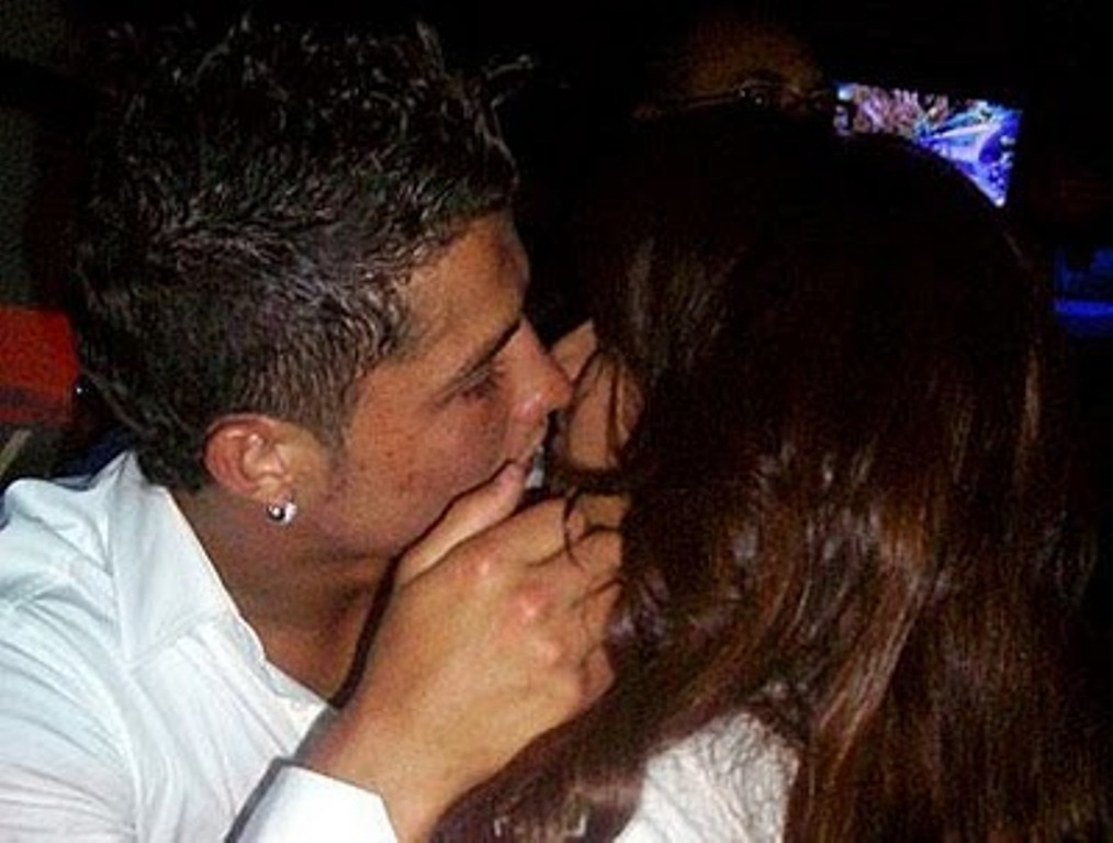 ronaldo and bipasha basu KISS