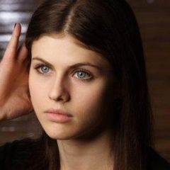 Alexandra Daddario - Katniss in my mind!